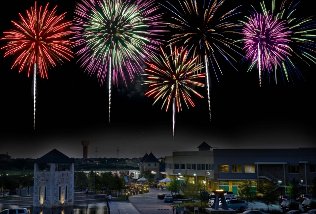 CASTLE HILLS FREEDOM FESTIVAL: FOOD TRUCKS, FACE PAINTING, FIREWORKS AND MORE!